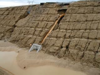 erozja_przy_budowie_drogi_kanalizacji-11