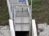 Zbiornik retencyjny Odwodnienie Autostrady A2 - Dopływ kanalizacji deszczowej do zbiornika, Wylot kanalizacji z zastawką kanałową