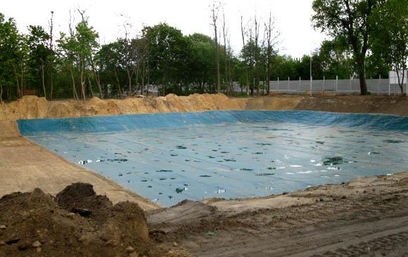 Zbiornik retencyjny uszczelniony membraną PVC