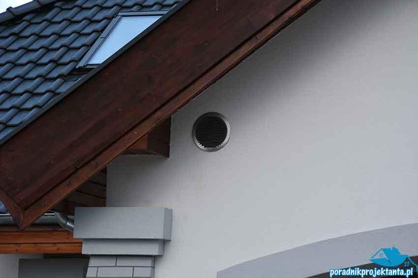 Czerpnia powietrza zamontowana w ścianie zewnętrznej