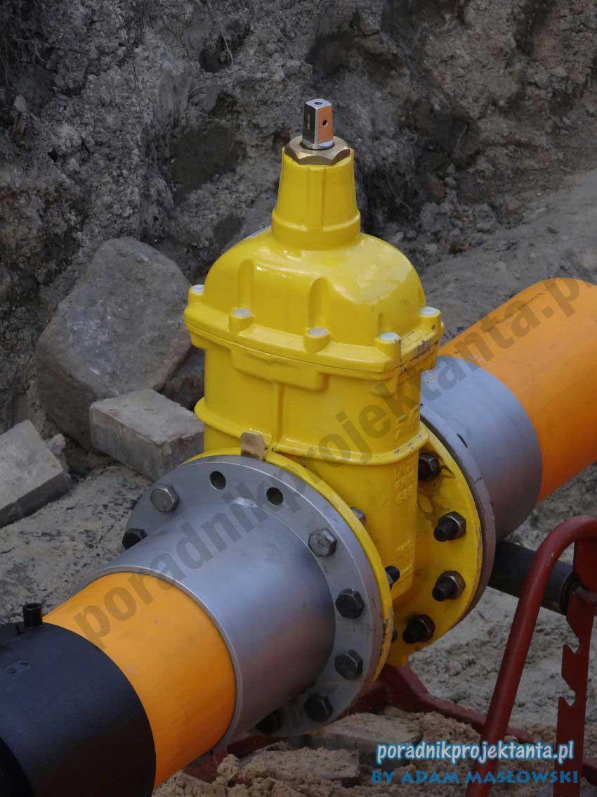 Budowa sieci gazowej - zasuwa odcinająca do gazu DN200