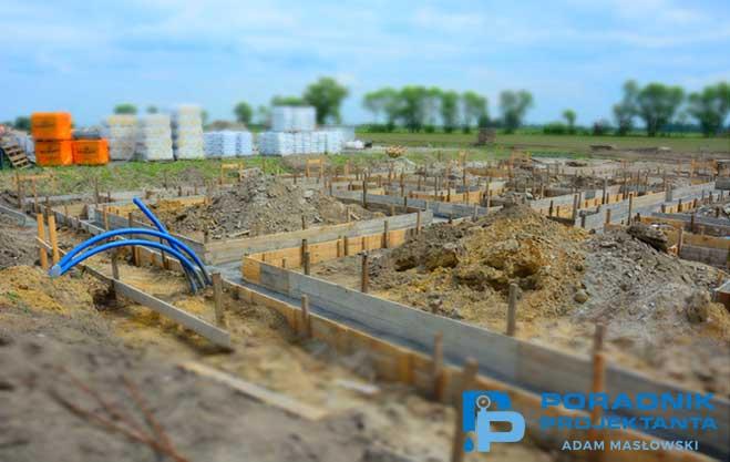 Budowa przyłącza na etapie fundamentów budynku (fot. własna)