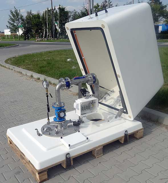 Przykład obudowy studni naziemnej firmy HYDROGLOBAL Sp. j. z Rokietnicy. Źródło http://www.hydroglobal.pl/
