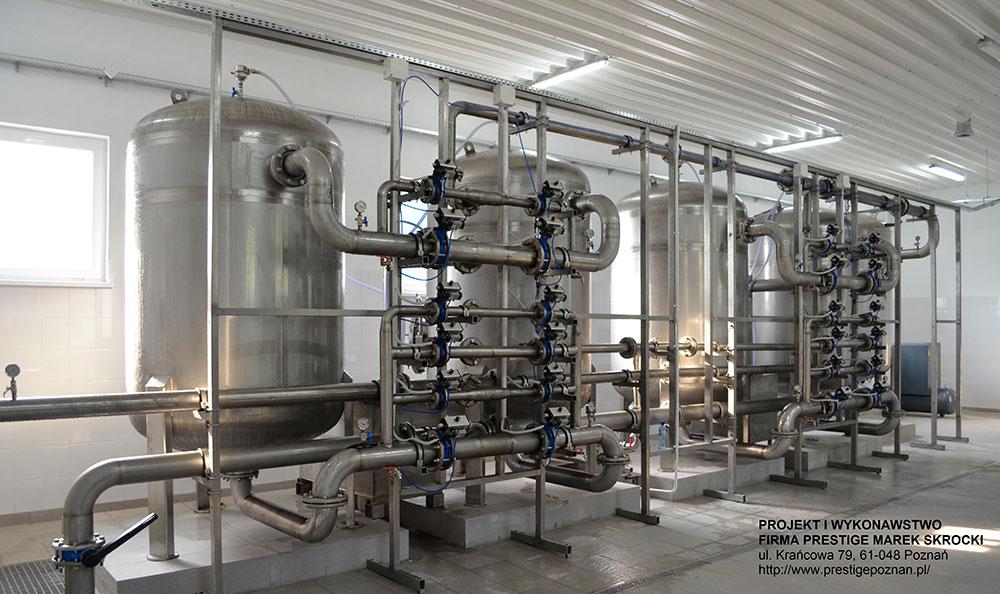 Fot. Marek Skrocki – Galeria filtrów w stacji uzdatniania wody. Projekt i realizacja przez firmę PRESTIGE Marek Skrocki z Poznania.