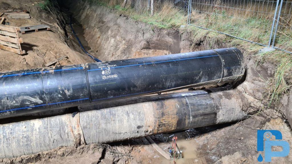 Przebudowa magistrali wodociągowej z rur stalowych DN900 na PE dn800 w Kołobrzegu - wykop otwarty